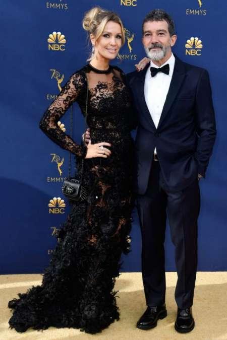Antonio Banderas junto a su pareja, Nicole Kimpel.