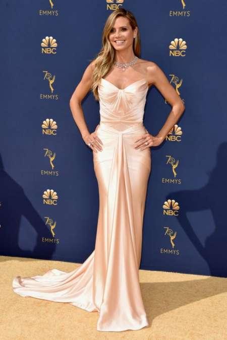 Heidi Klum y su vestido de inspiración lencera firmado por Zac Posen.