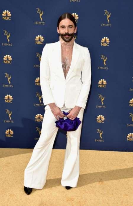 Jonathan Van Ness, vestido por The Row.