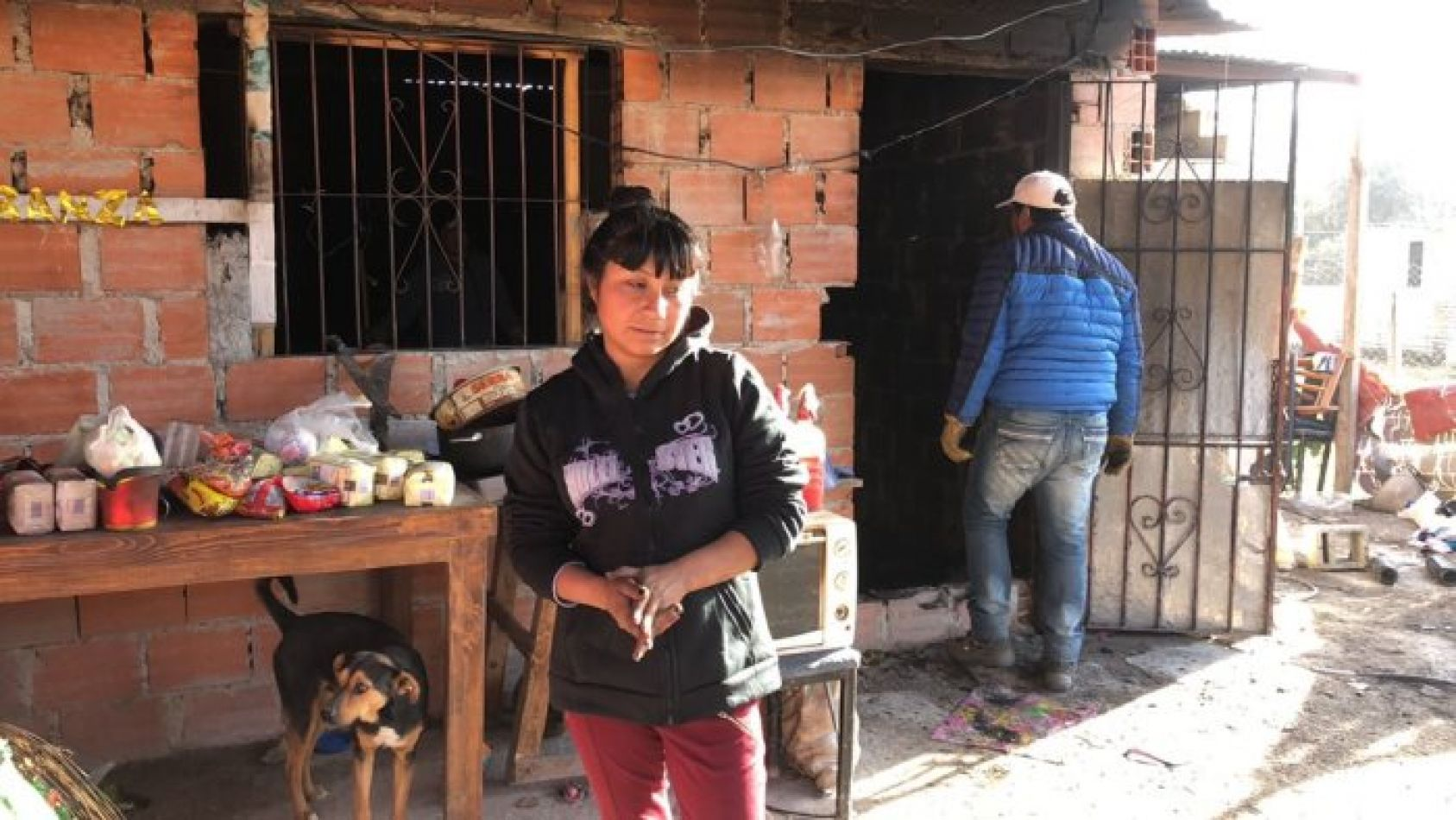 Cerrillos: En su casa funcionaba un merendero y su marido lo prendió fuego