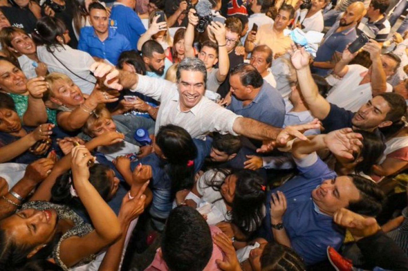 Capitanich plagió el discurso del preámbulo a Raúl Alfonsín. Desliza para verlo