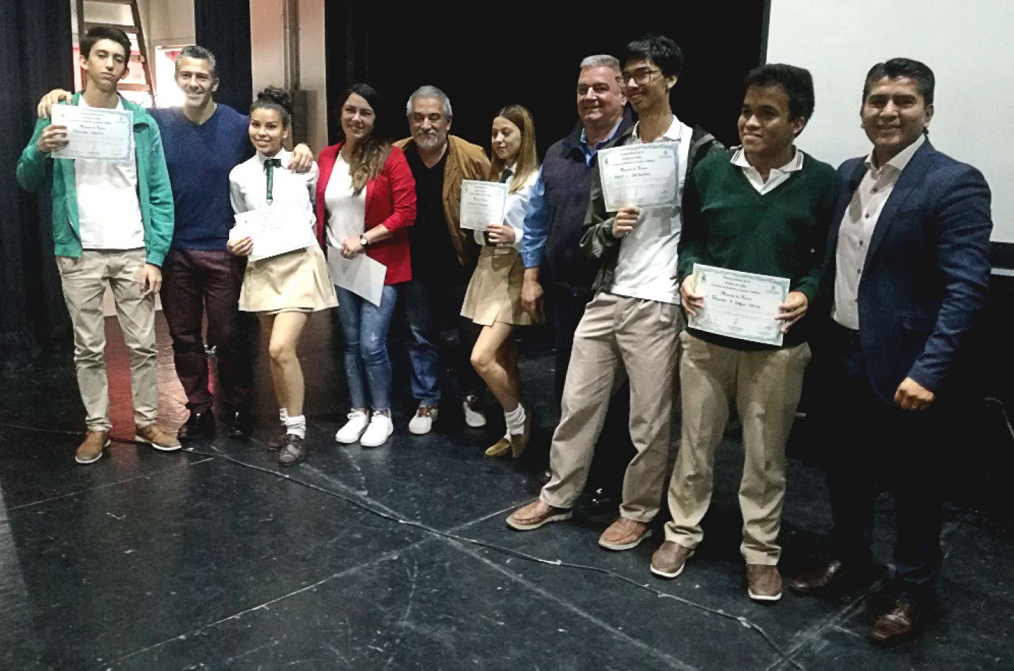 """Estudiantes fueron premiados en los talleres """"Jóvenes Unidos por el Ambiente"""""""