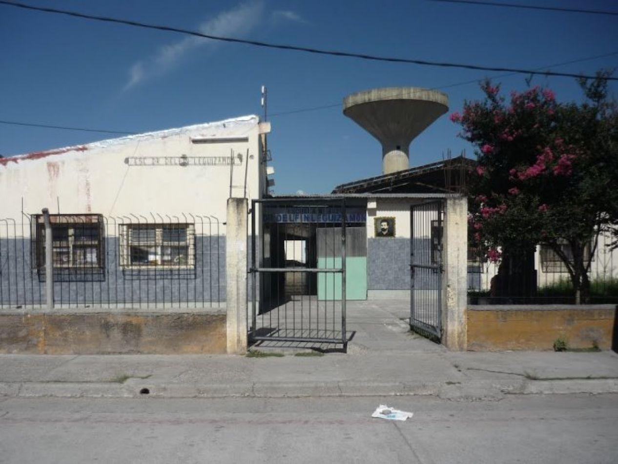 Peligro de derrumbe en aulas de la escuela Delfín Leguizamón