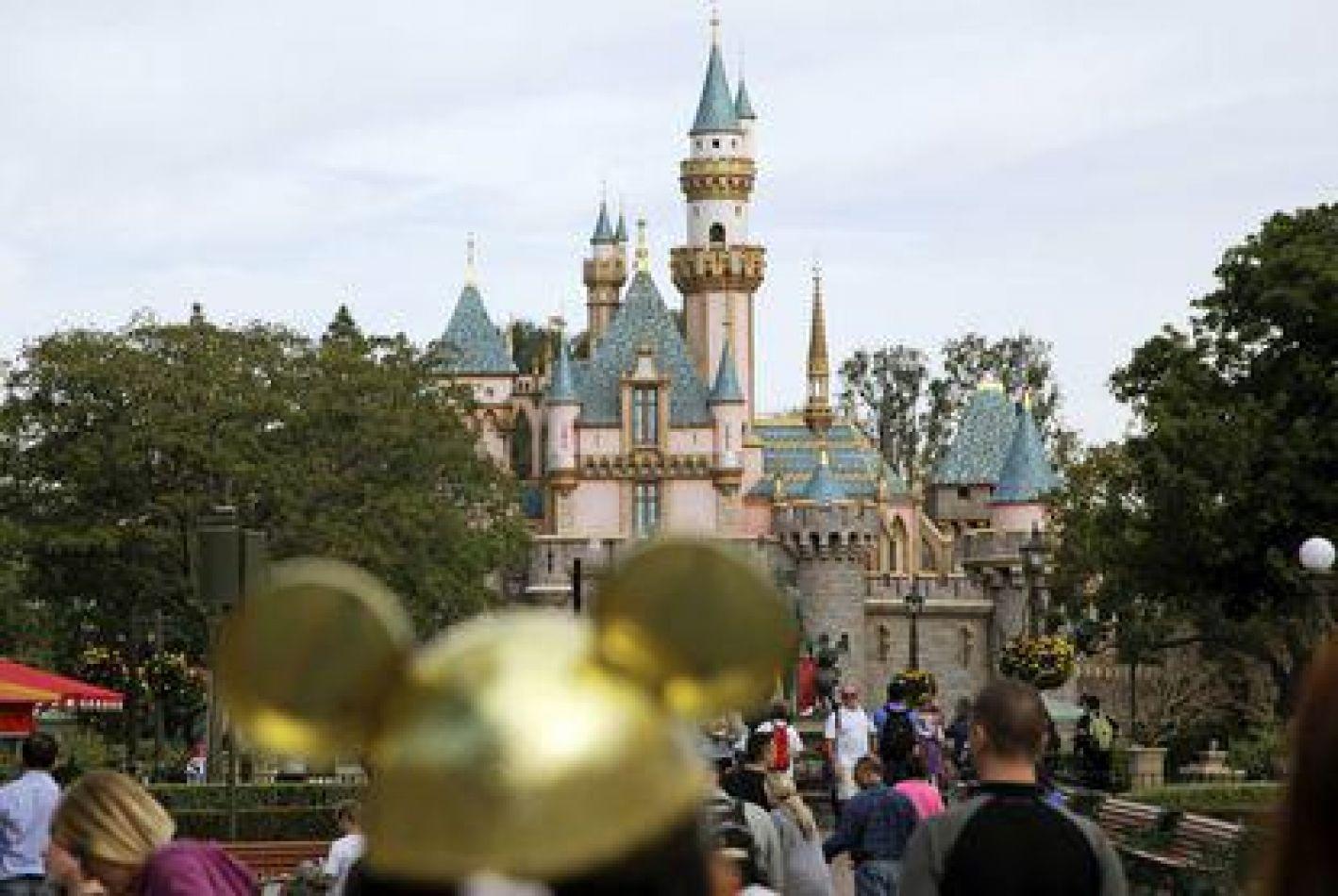 Disney cierra sus parques por el Coronavirus