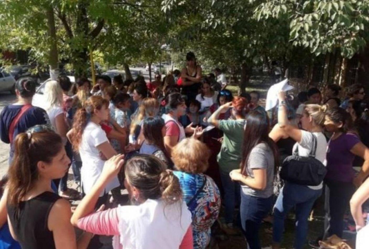 Padres autoconvocados piden que los docentes vuelvan a dar clases en Salta