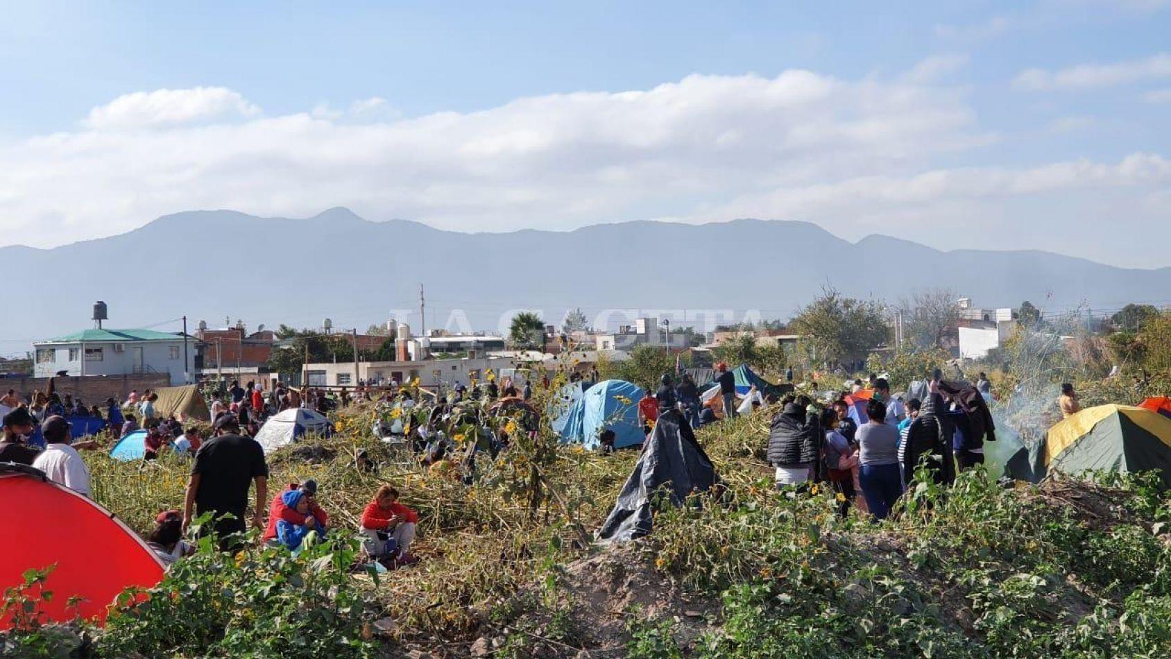 Hoy continúa la mediación por la toma de tierras en Parque La Vega