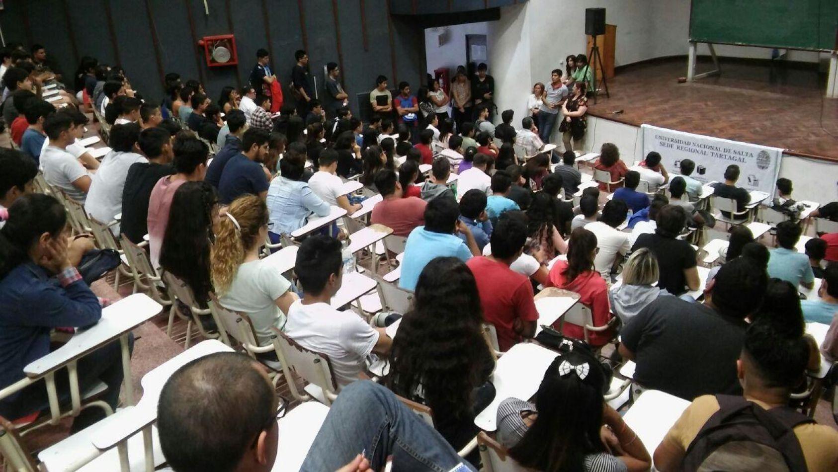 Universitarios en suspenso: Desde Nación indican que serían los últimos en retomar clases presenciales
