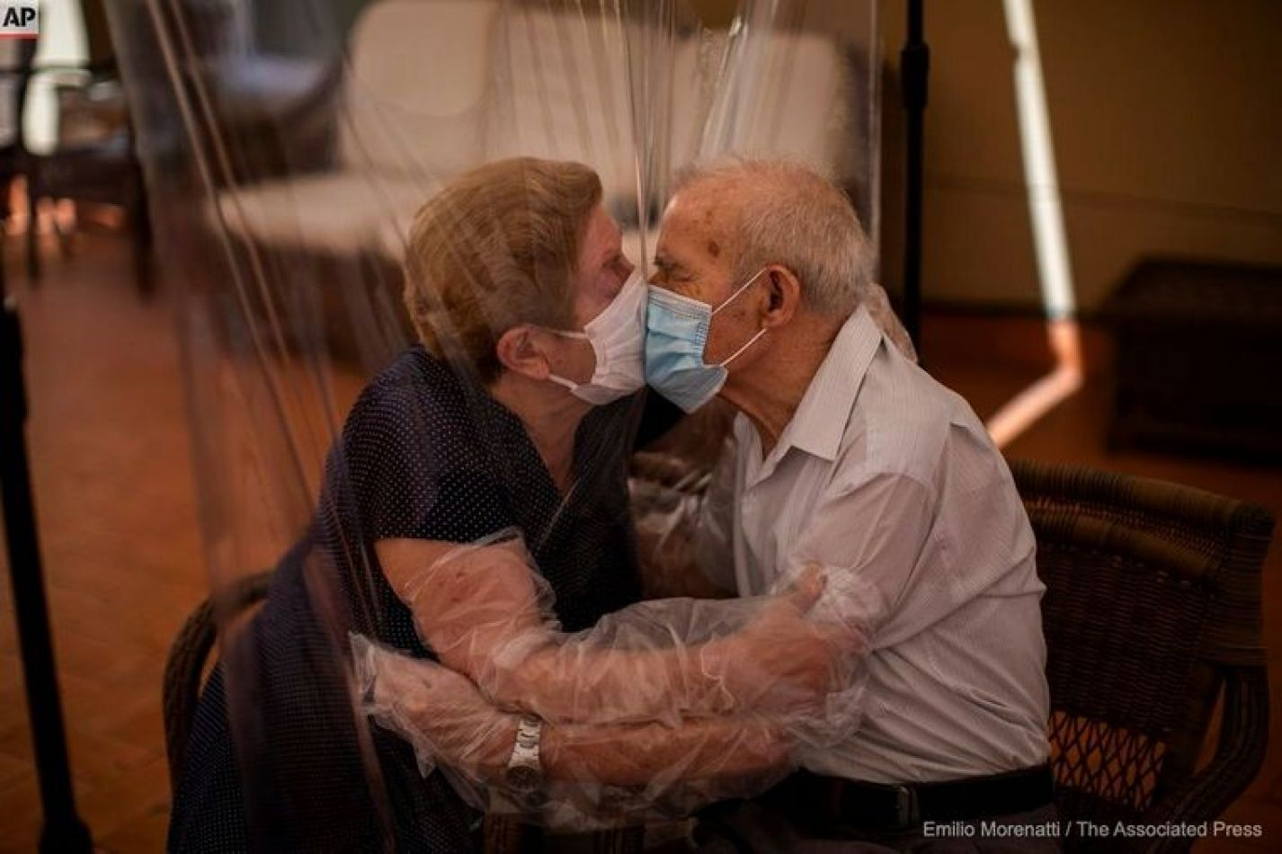 El amor en tiempos del Coronavirus: 102 días para el esperado beso