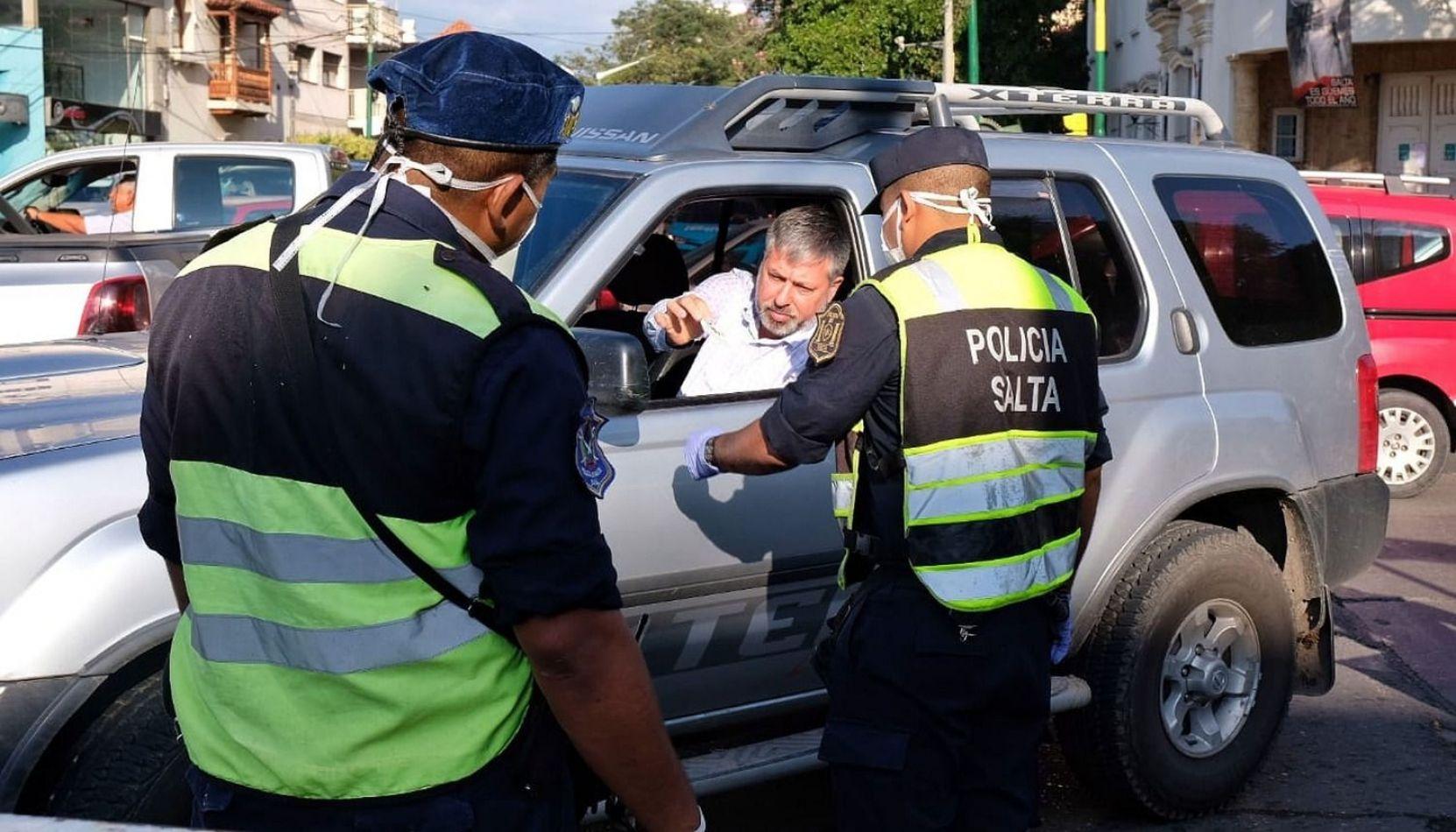 Volvieron los controles policiales en Salta: qué piden y dónde están ubicados