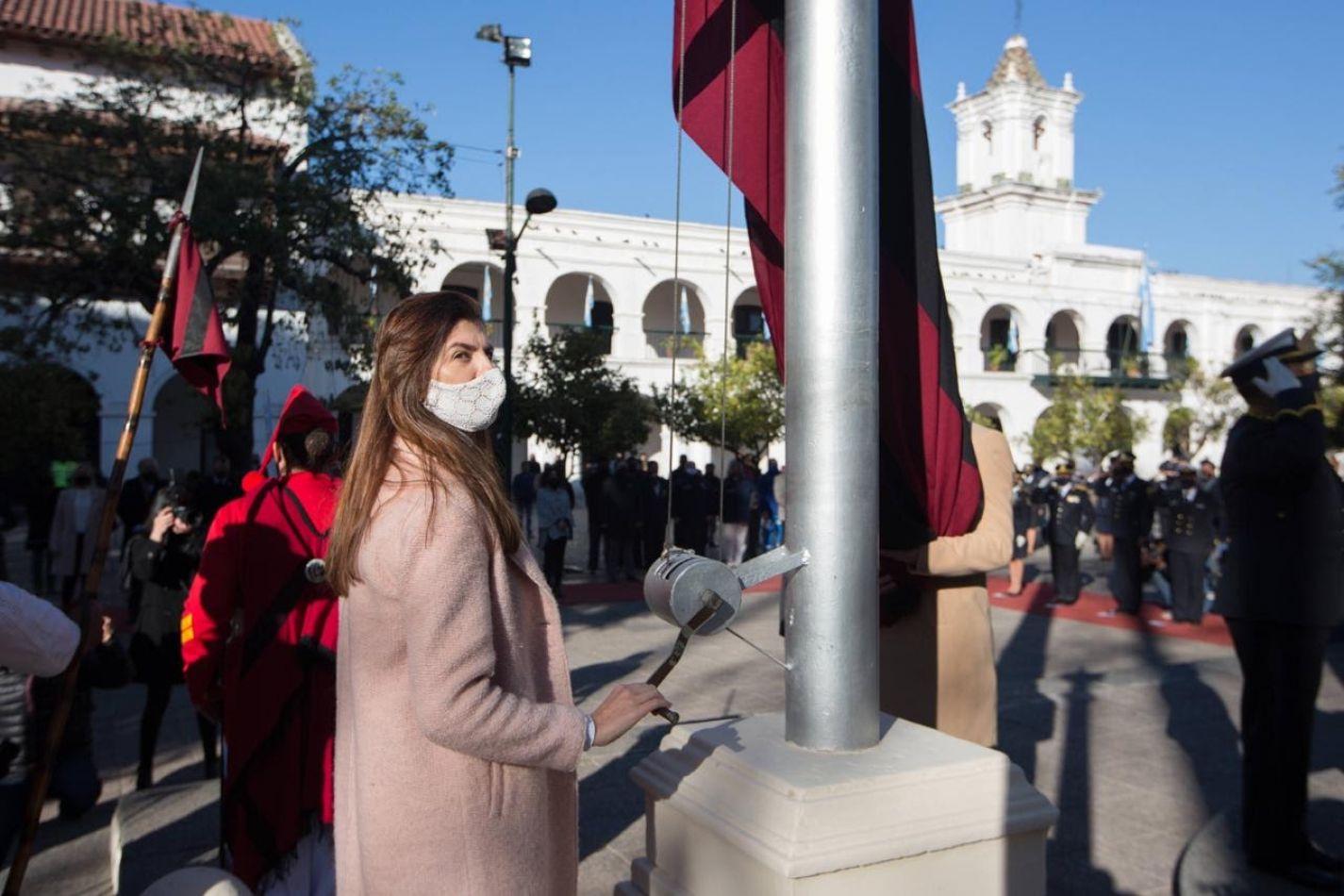 Bettina Romero participó de la conmemoración por los 204 años de la Independencia