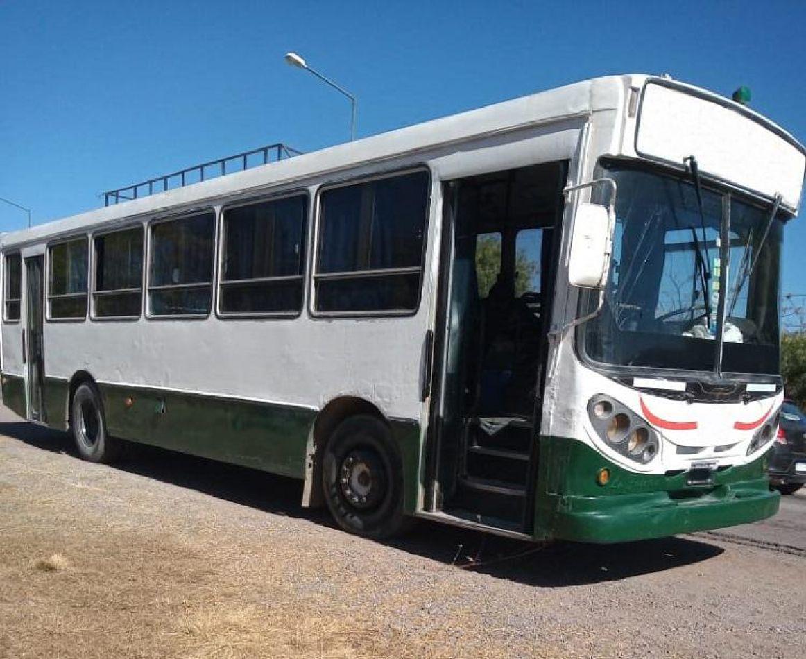 Detectaron un colectivo que transportaba 22 pasajeros de manera ilegal