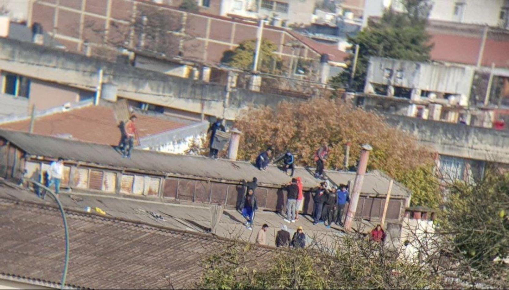 El motín en Jujuy dejó como saldo dos internos muertos
