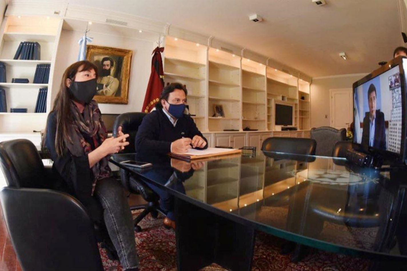El gobernador Sáenz y el ministro Arroyo firmaron convenios para acompañar a más de 63 mil familias del Chaco salteño