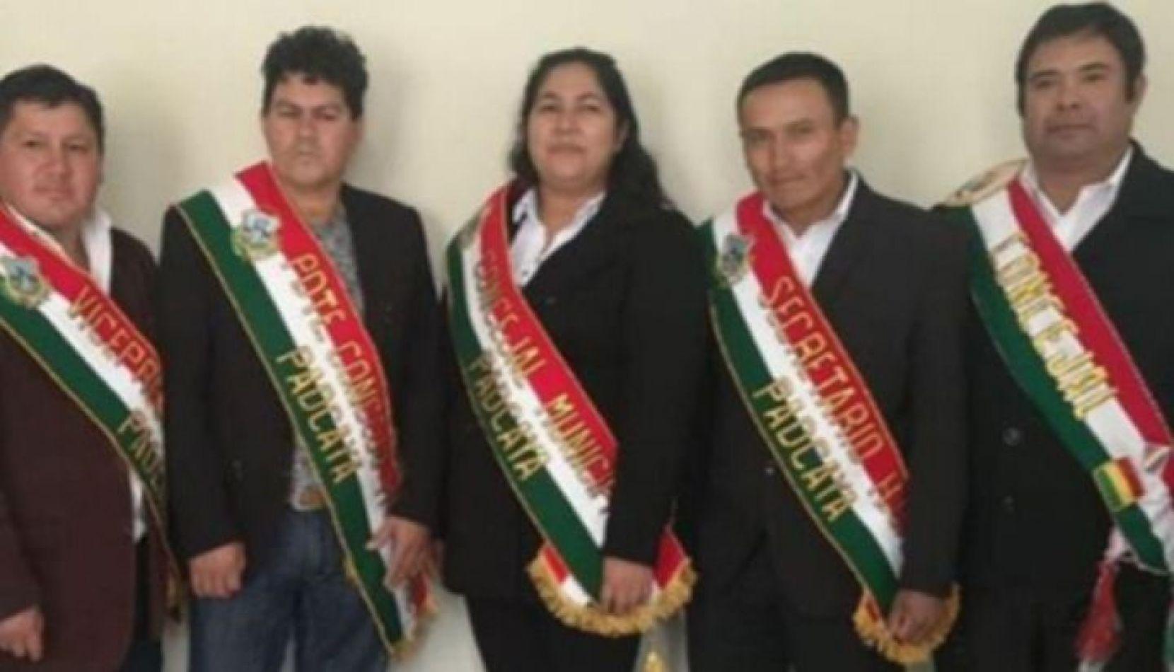 Sigue el escándalo: hasta una concejal de Bolivia cobró el IFE