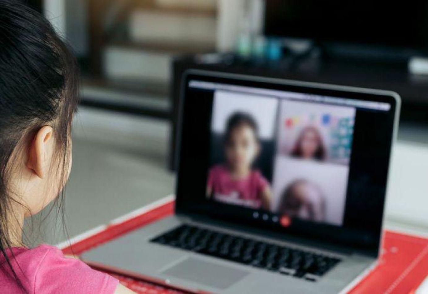 Docentes preparan un paro virtual por falta respuestas de Educación
