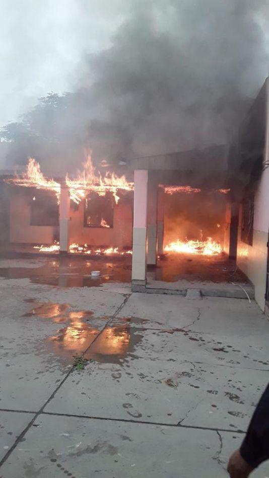 Sáenz ordenó reconstruir la escuela incendiada en Orán