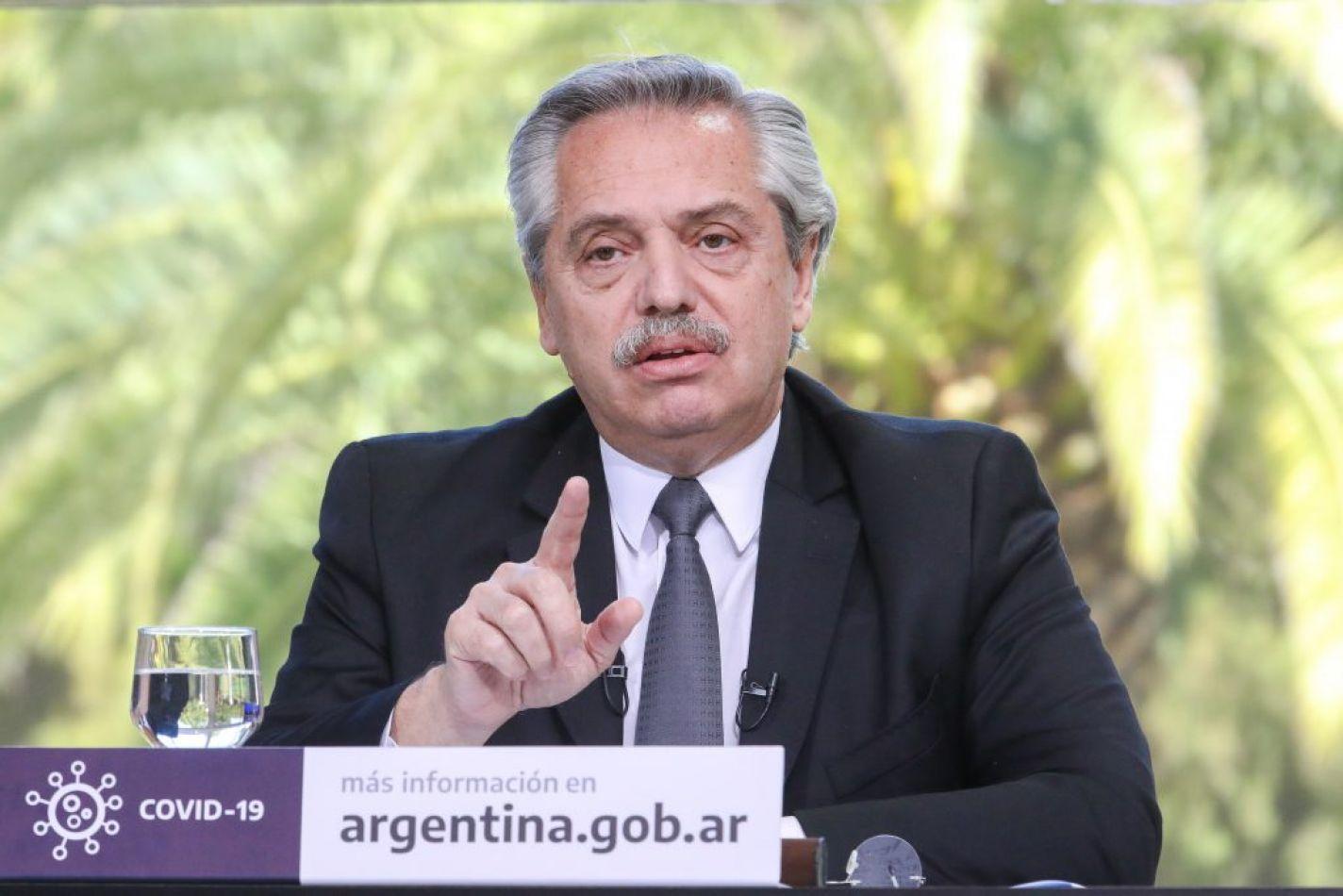 """Alberto Fernández: """"Hemos extendido el Ahora 12 a peluquerías, los hombres no gastamos mucho pero sé que las mujeres sí"""""""