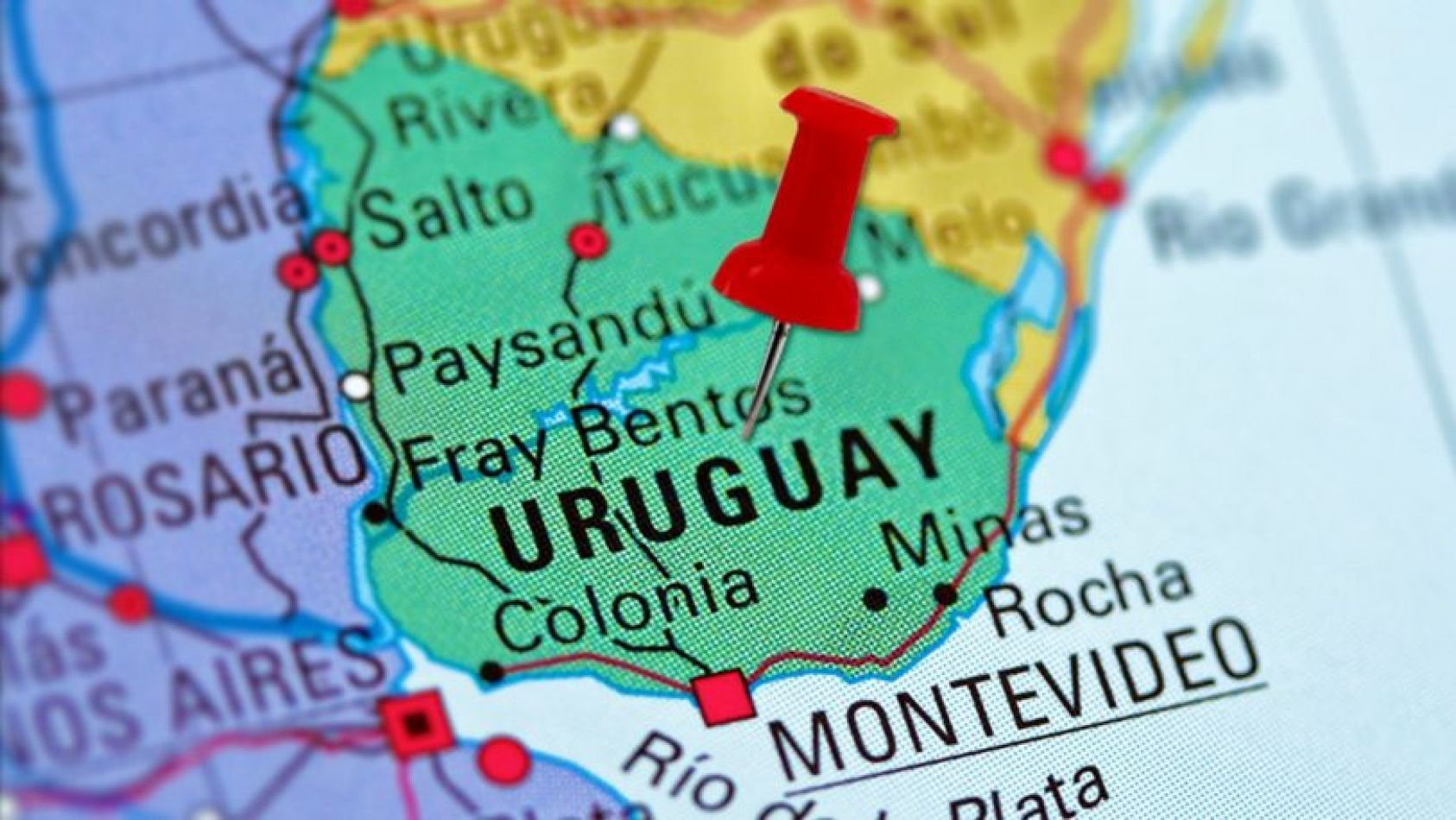 Se dispararon las solicitudes de residencia de argentinos para Uruguay