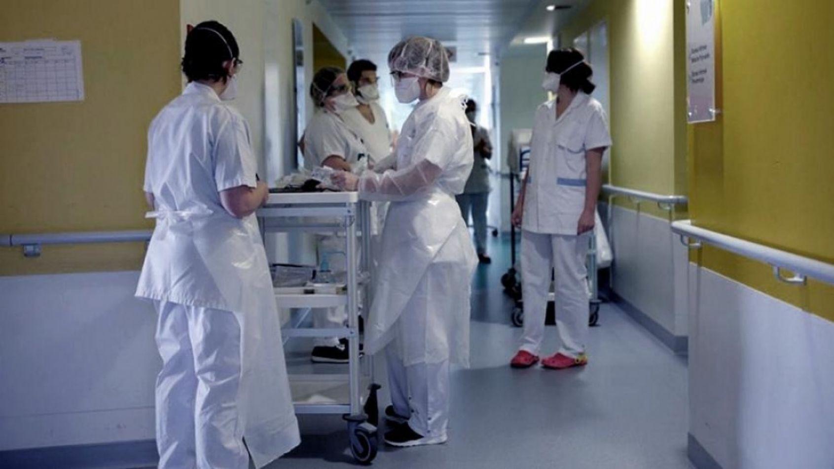 """Coronavirus: un médico aseguró que con """"vacunar al 30% de la población de cada país se volverá a la normalidad"""""""