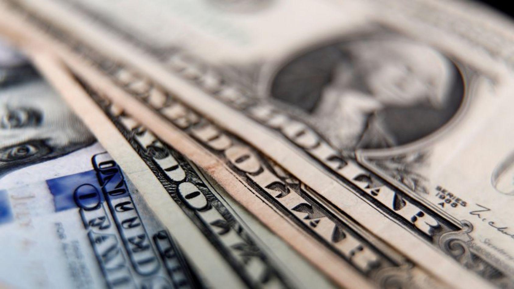 Dólar hoy: las medidas oficiales no logran calmar mercado y el dólar libre subió a un récord de $183
