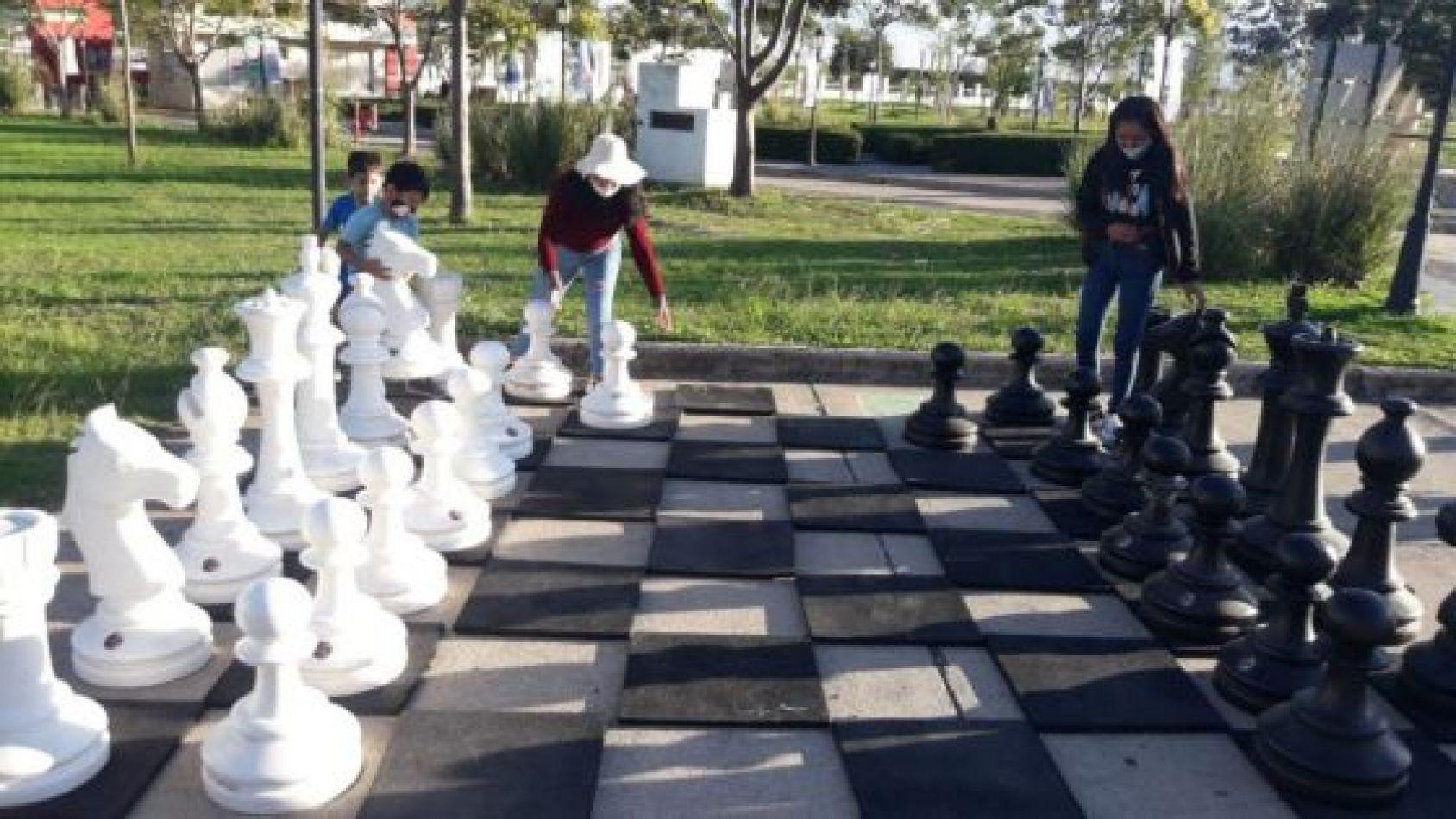 Viernes de juegos en el Parque del Bicentenario