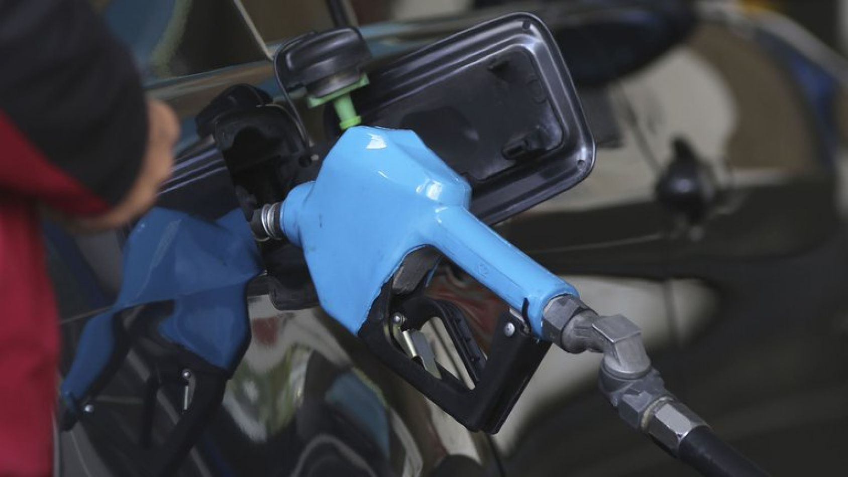 Nuevo aumento en los precios de los combustibles: 1% en nafta y 1,9% en gasoil