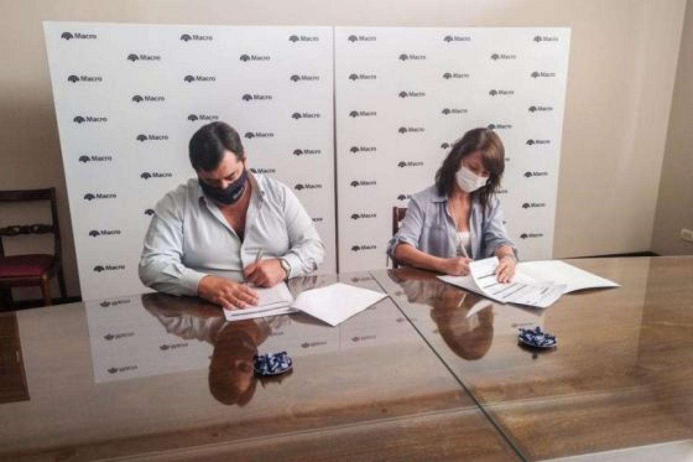 Taxistas y remiseros: la AMT firmó un convenio con Banco Macro para implementar una nueva modalidad de pago