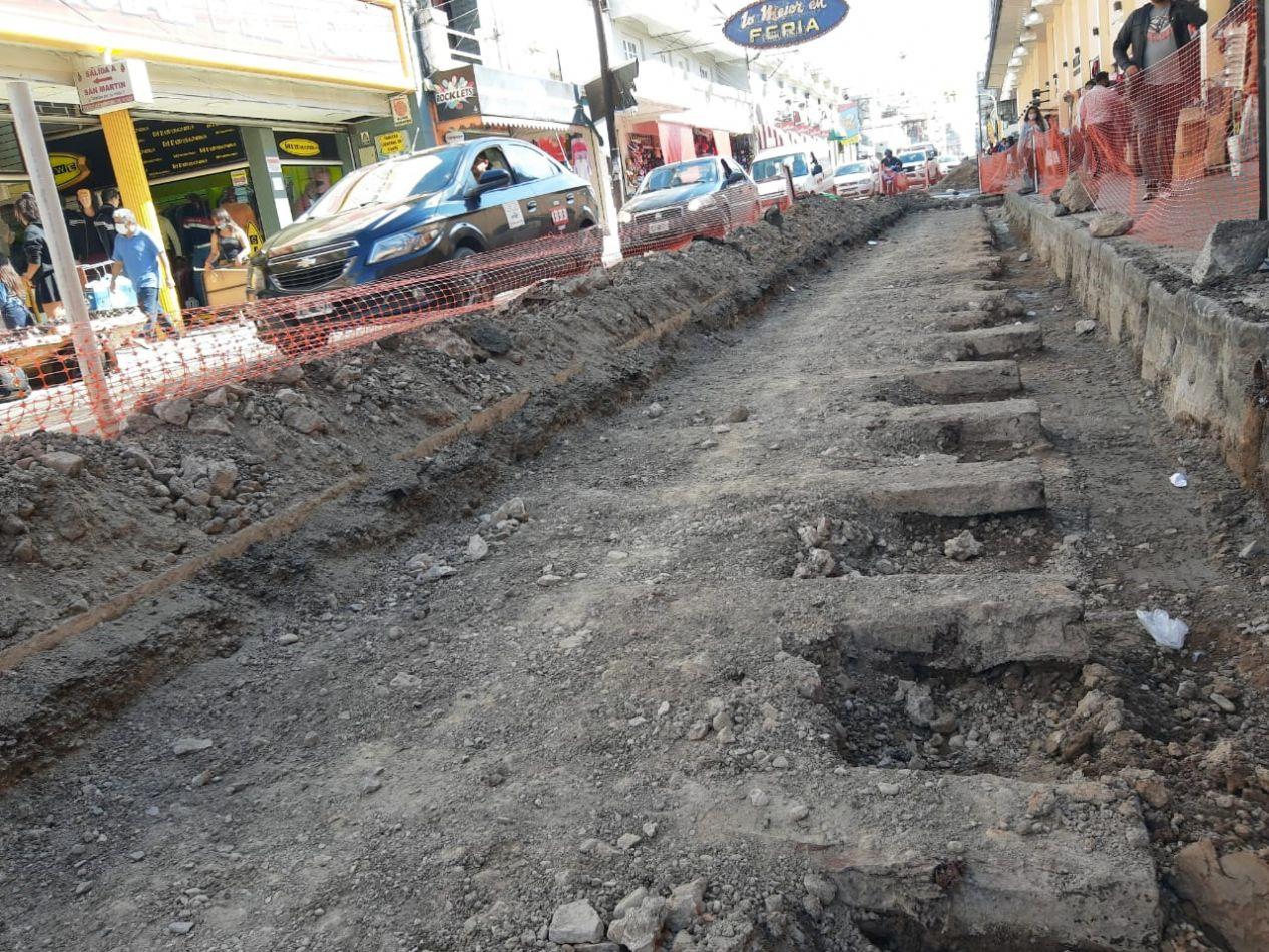 Analizan el futuro de unas construcciones antiguas halladas en calle Ituzaingó