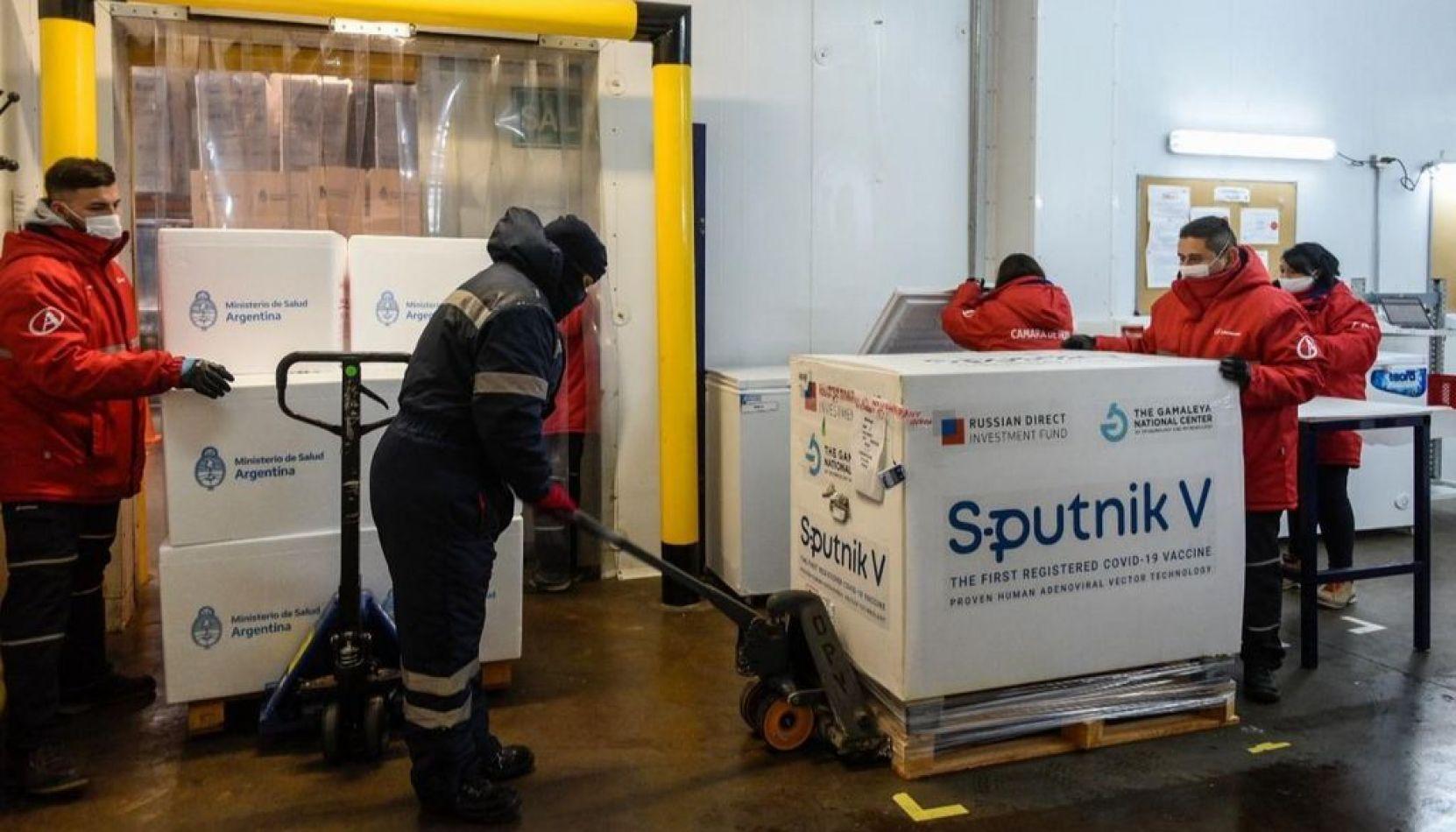 Comienza la distribución de 650.400 dosis de vacunas Sputnik V en el país: Salta recibirá 20.400