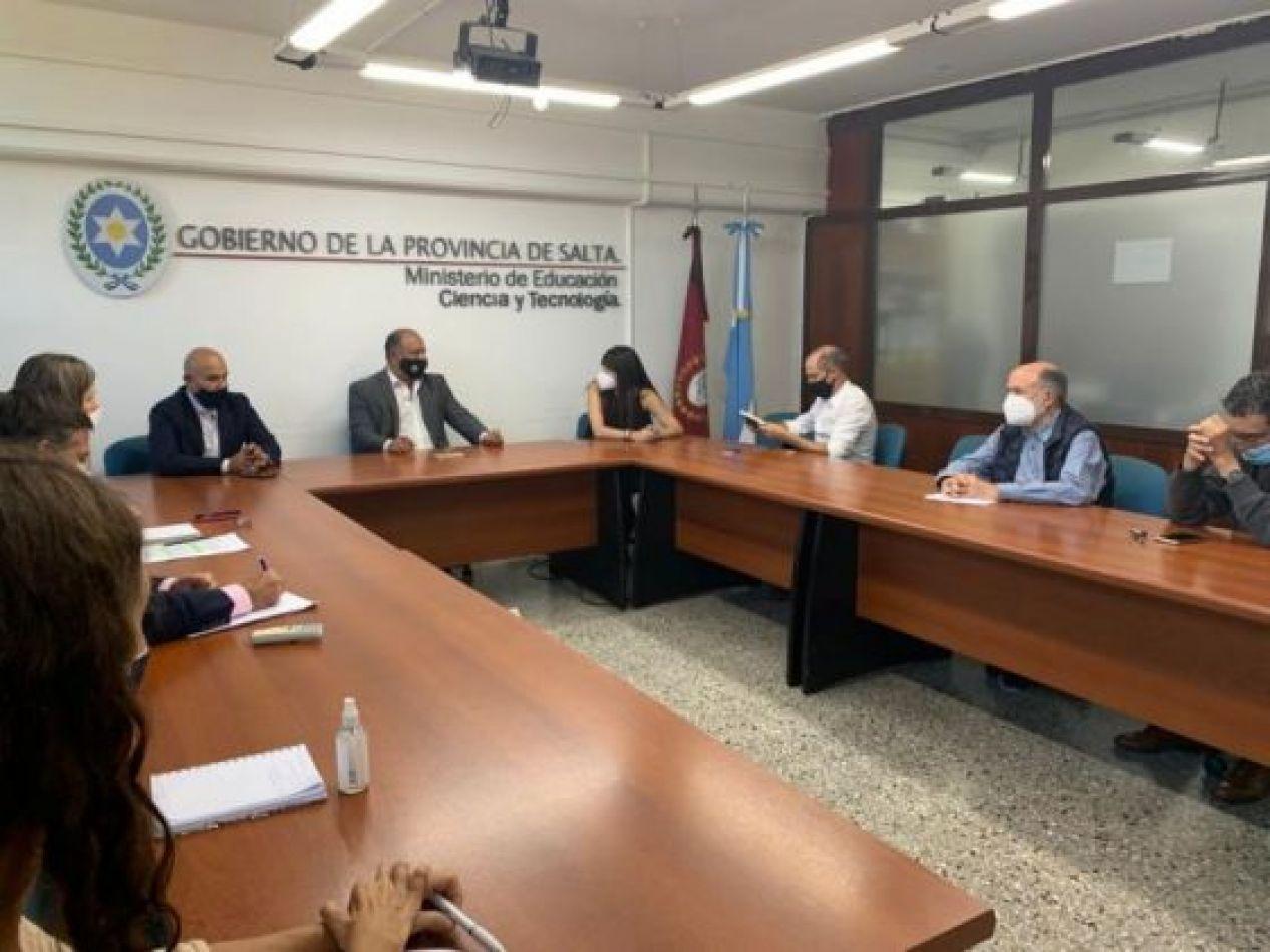 La Provincia gestiona fondos para obras en el Valle de Luracatao
