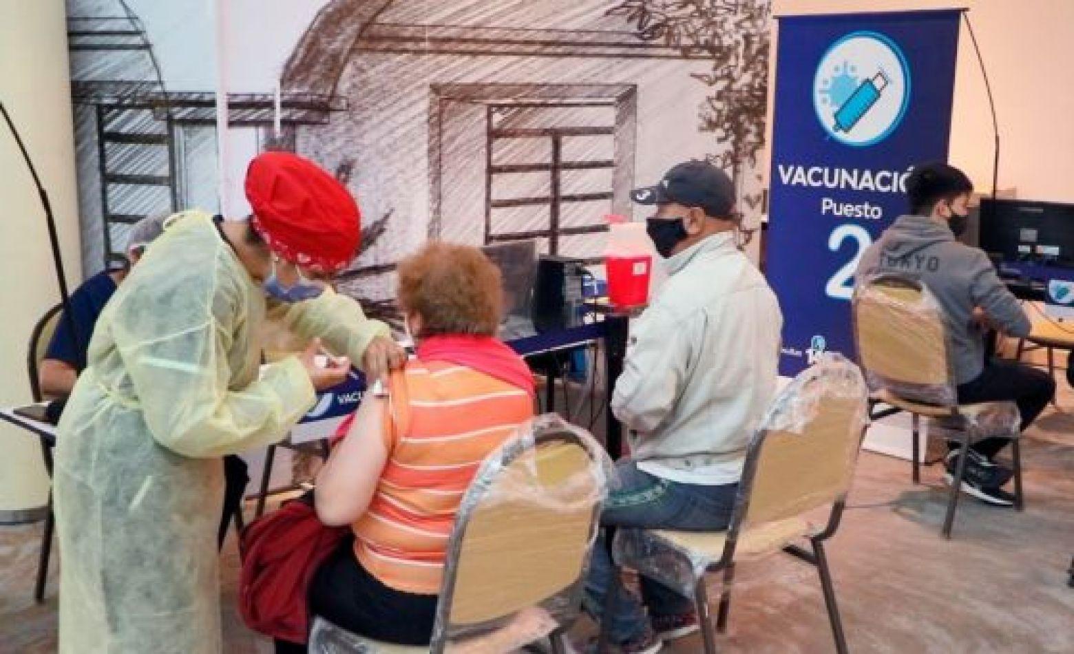 Salta: Comienzan a vacunar contra COVID-19 a mayores de 55 años