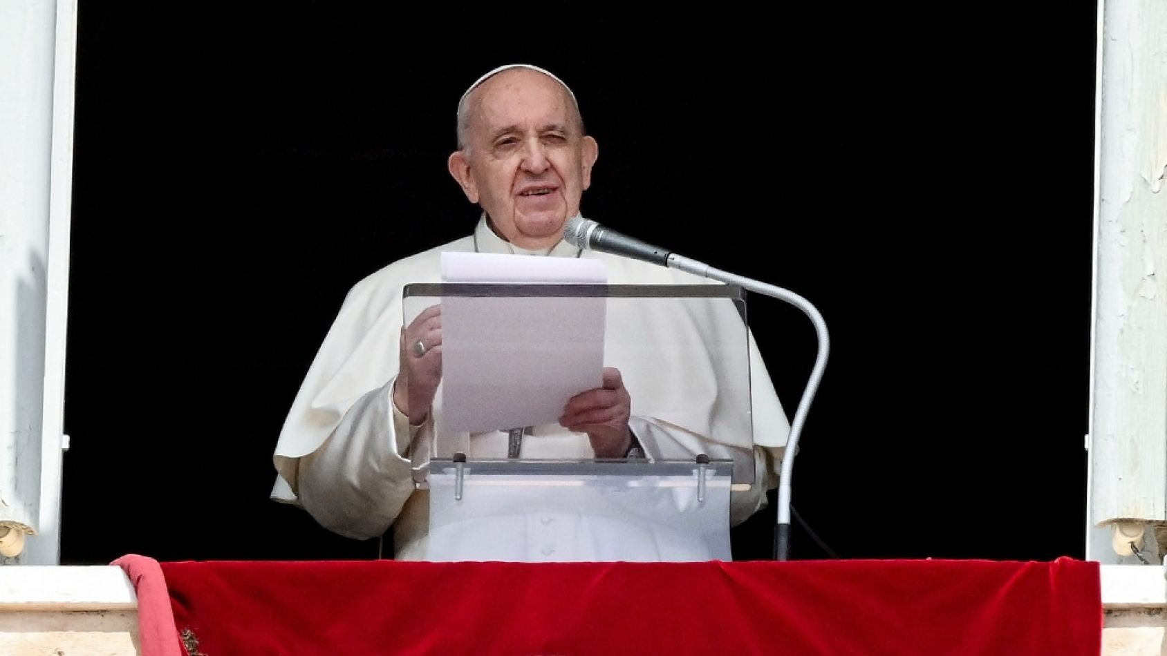 """Francisco calificó de """"terrible e inaceptable"""" la escalada de violencia en Medio Oriente"""