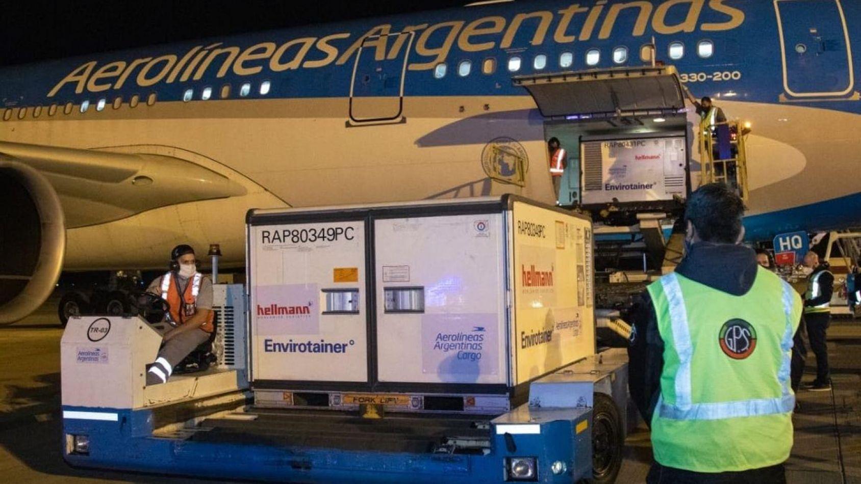 Llegaron al país más de 2 millones de dosis de AstraZeneca
