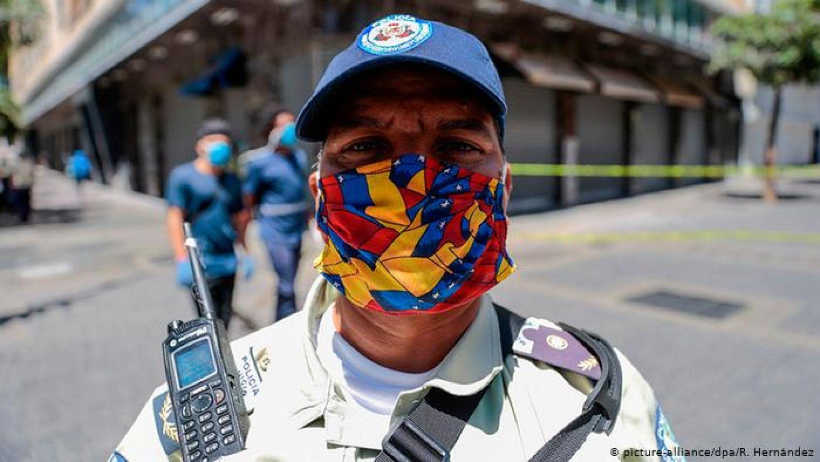 Maduro fue denunciado en la ONU por extorsionar a quienes quieren ser vacunados contra el COVID-19: les exige el Carnet de la Patria
