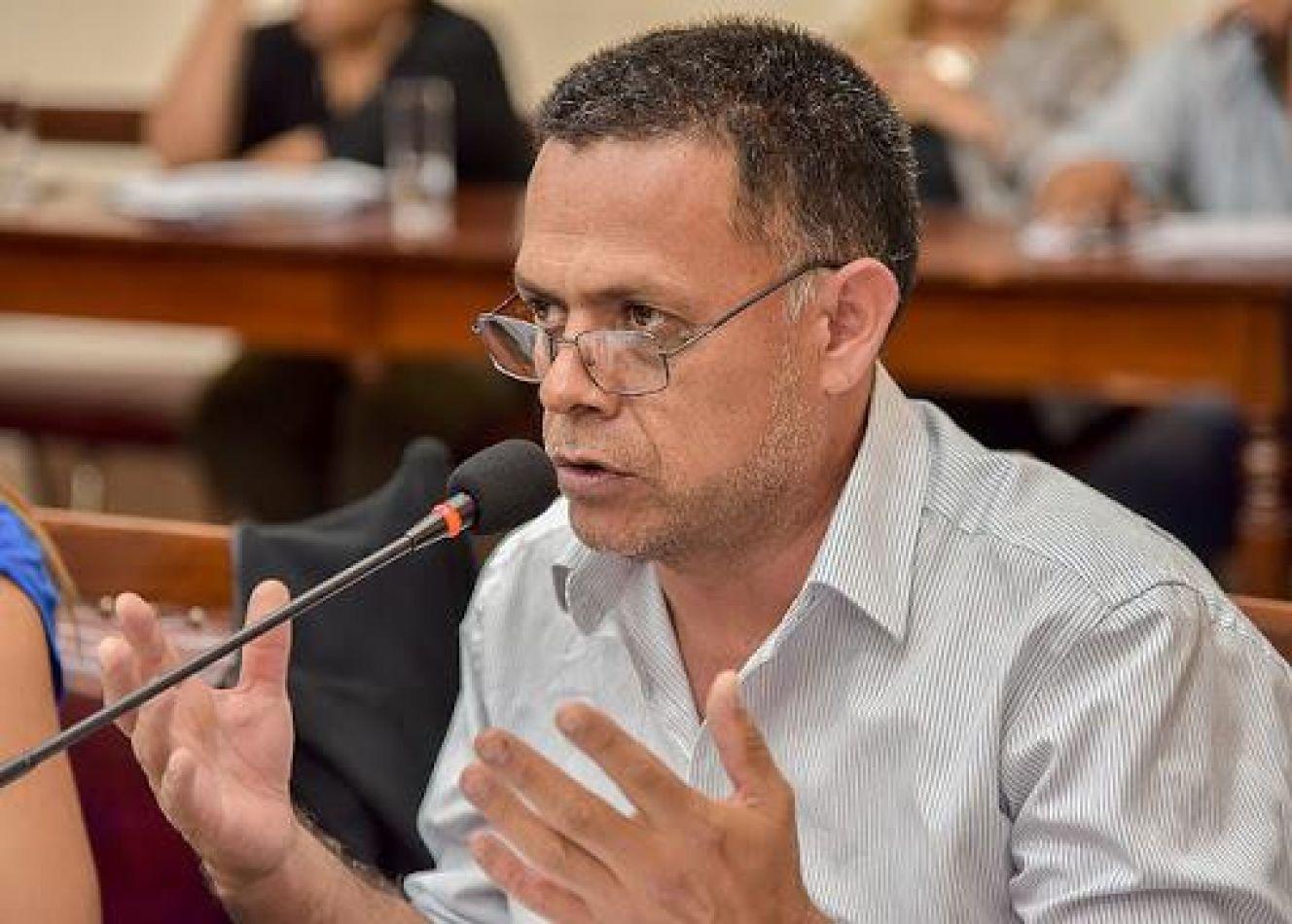 """Raúl Córdoba: """"Vamos a presentar un proyecto para que la unidad tributaria pase de un litro de nafta a medio litro"""""""