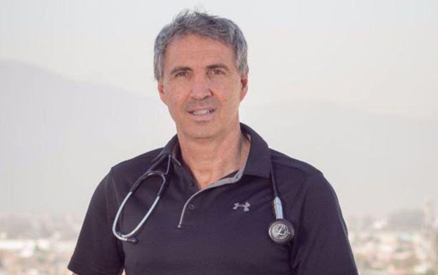 """Dr. Antonio Salgado: """"Las vacunas son la única posibilidad que tenemos de mitigar el impacto de la pandemia"""""""