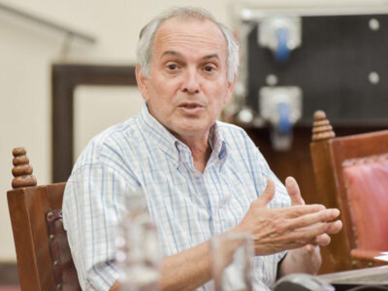 """José Gauffin: """"El problema de los organismos de control es que milita la política partidaria"""""""