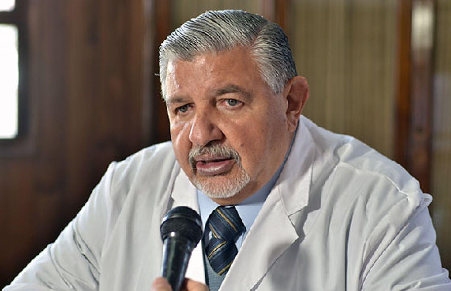 """Dr. Juan José Esteban: """"Hemos bajado la mortalidad gracias a la vacuna""""a"""