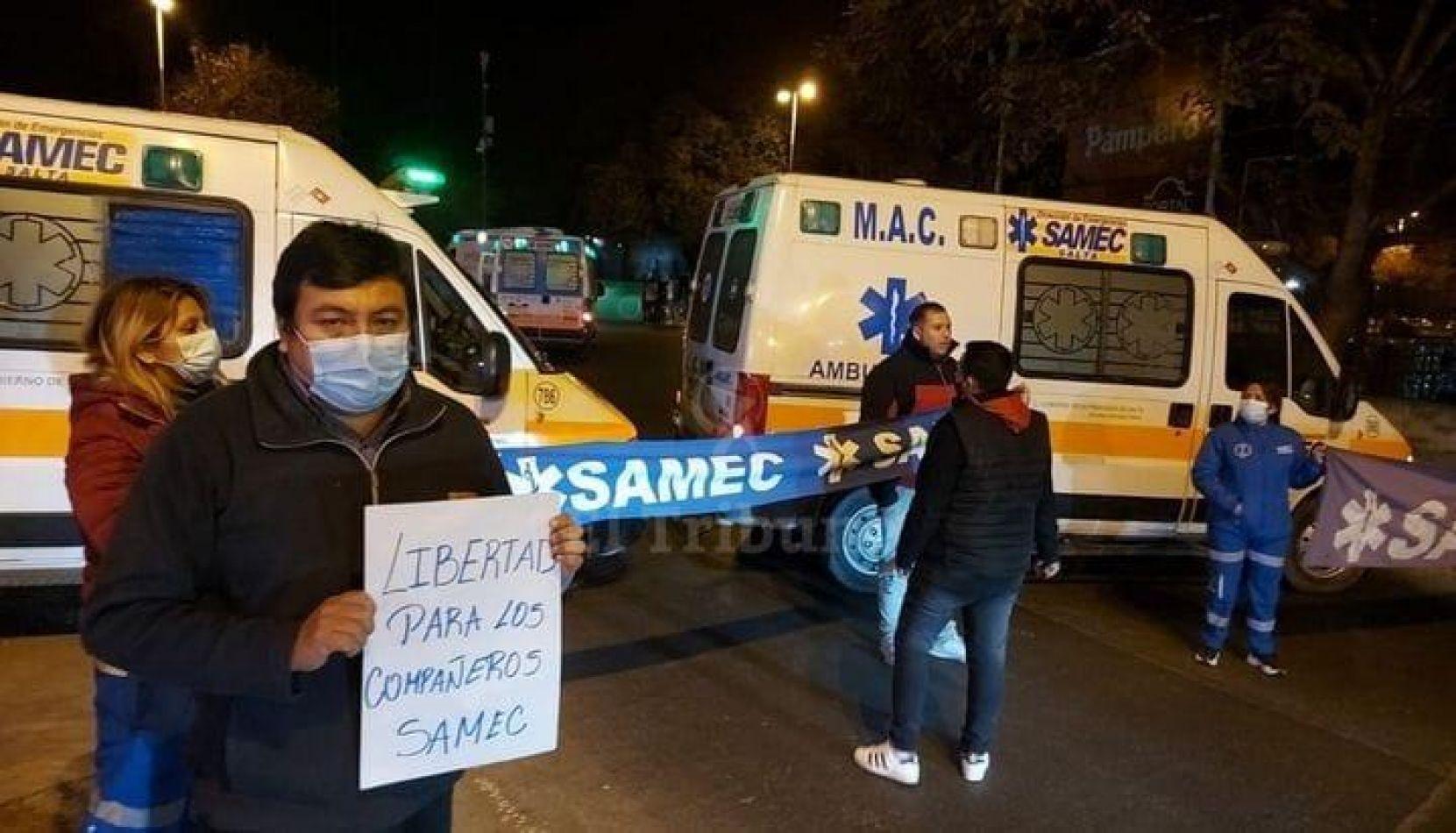 Trabajadores del SAMEC reclaman la liberación de los 4 operadores detenidos