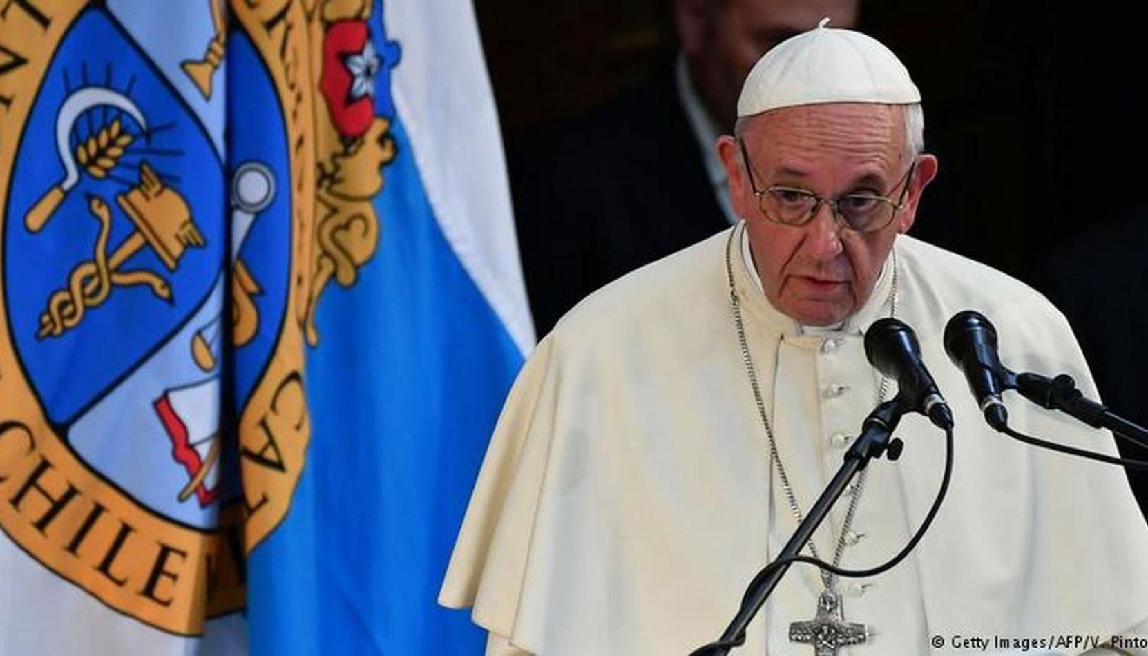 """El joven abusado por un obispo reveló lo que le dijo el Papa: """"Dios te hizo gay y te quiere así"""""""