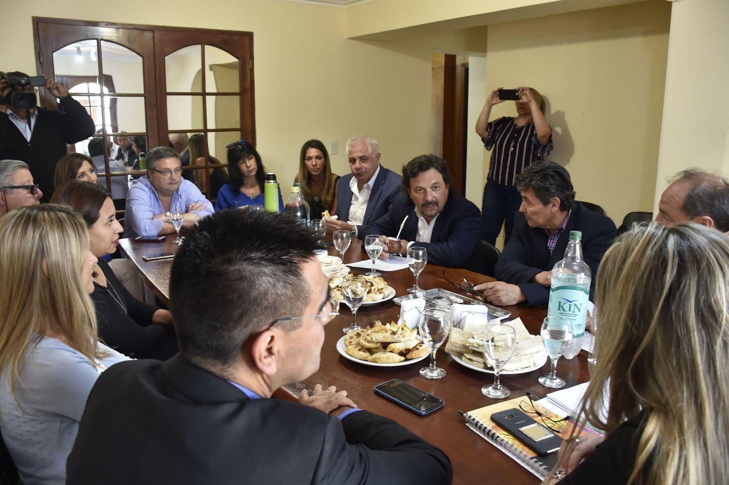 Sáenz se reunió con los directivos del Colegio Único de Corredores Inmobiliarios de Salta
