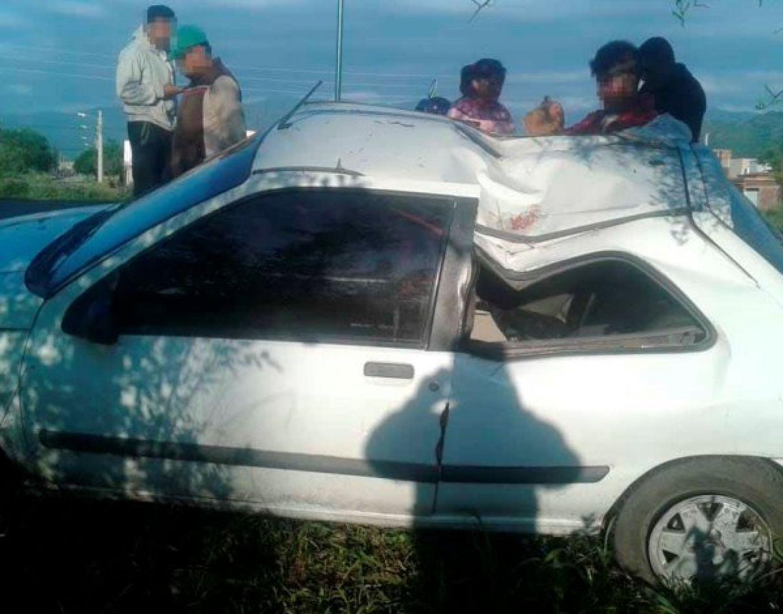 Ebrio derrapó y chocó contra un árbol sobre avenida Bolivia