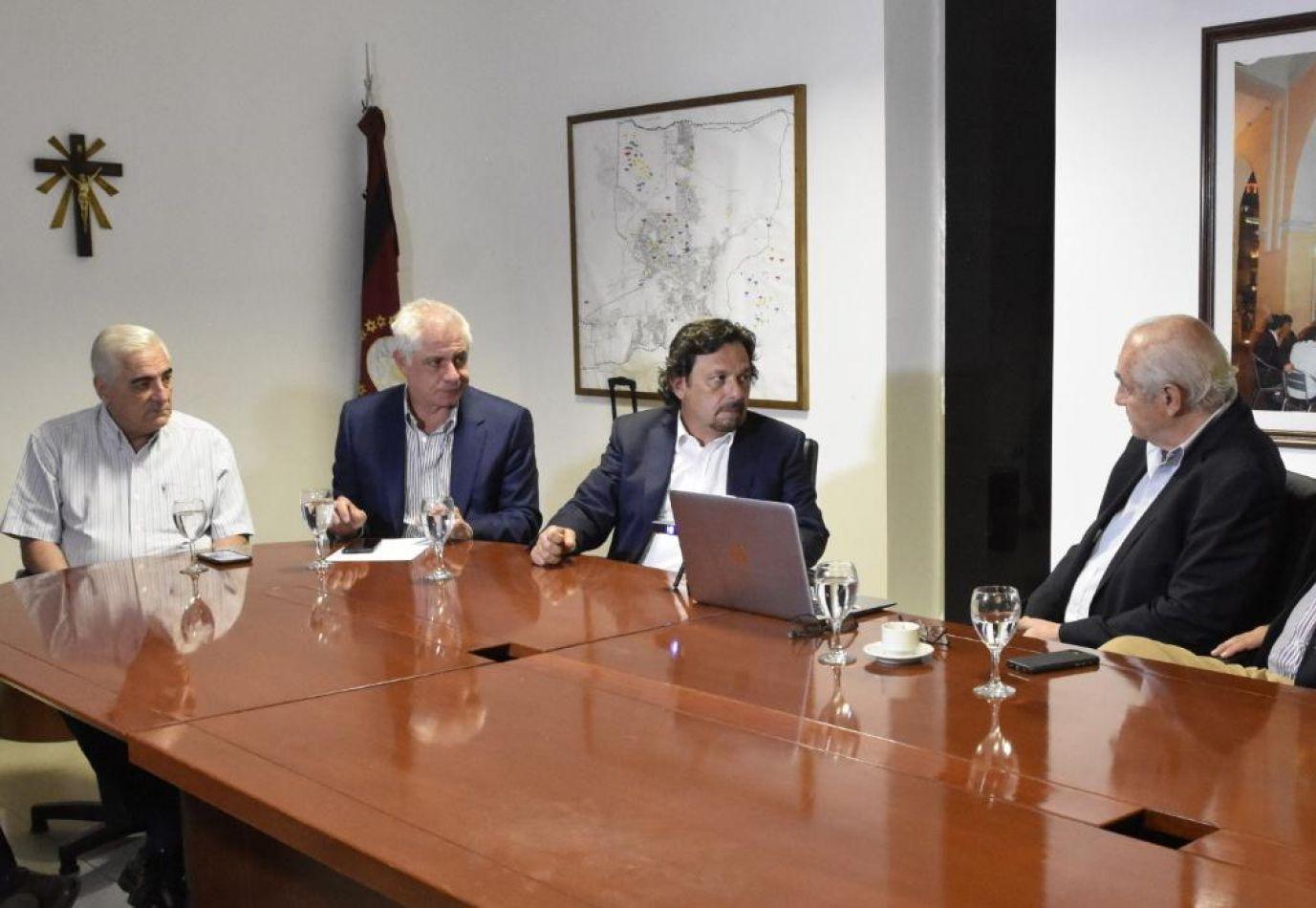 Sáenz se reunió con el directorio de la empresa Tabacal Agroindustria