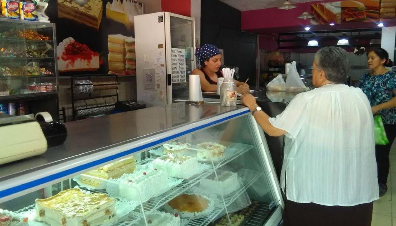 Una pastelería está en jaque por una boleta de luz de 31 mil pesos