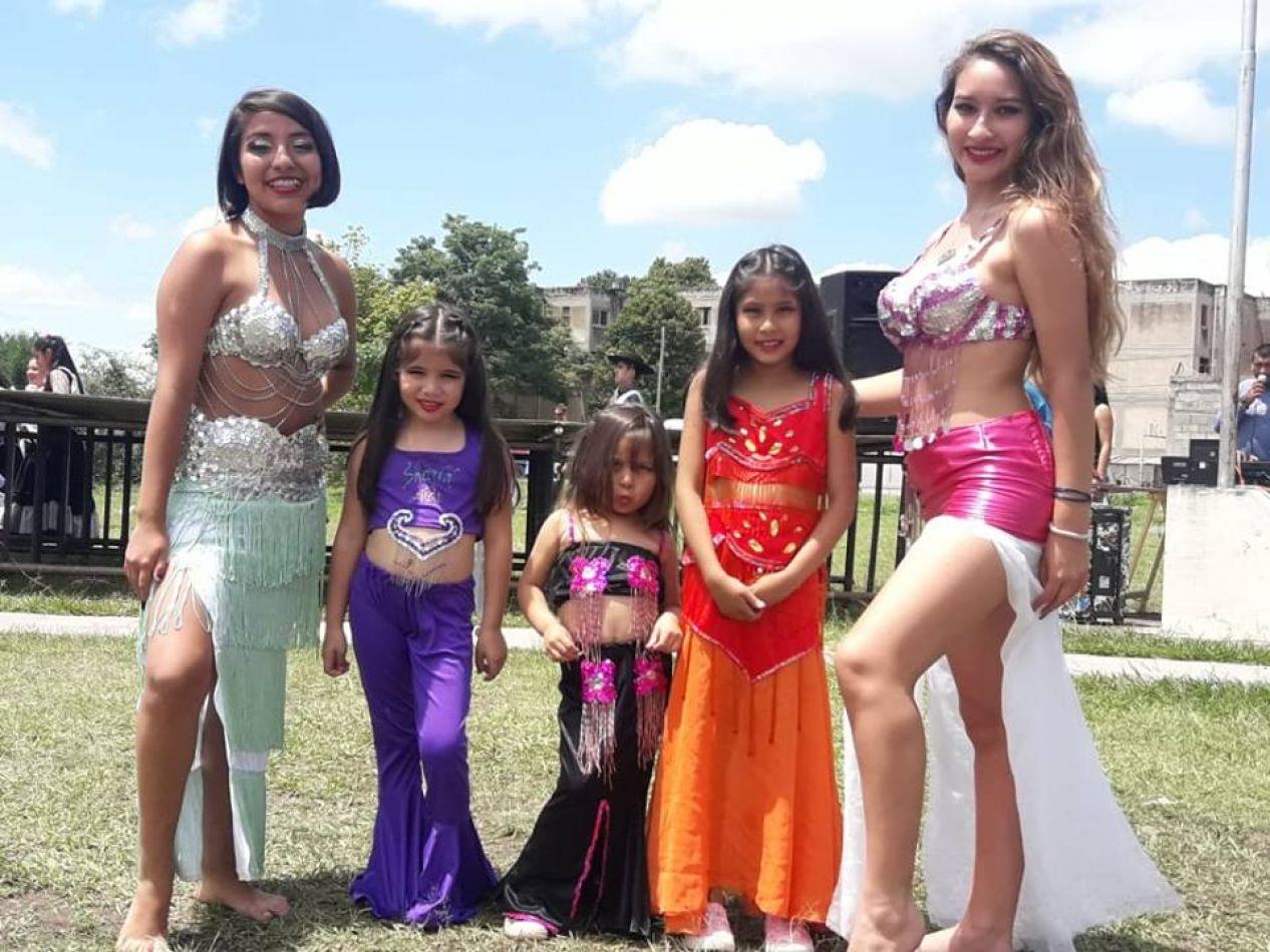 Clases de danzas árabes en barrio Limache